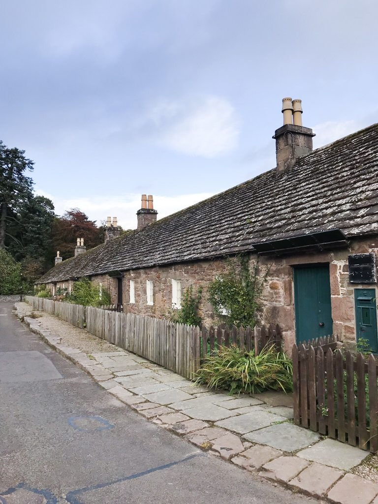 Traditional Cottages in Glamis