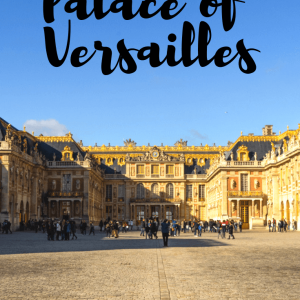 Thinking of visiting the Palace of Versailles in France? Here's our top tips from our visit, including how to guarantee that you manage to get the hall of mirrors completely empty for that perfect photo.