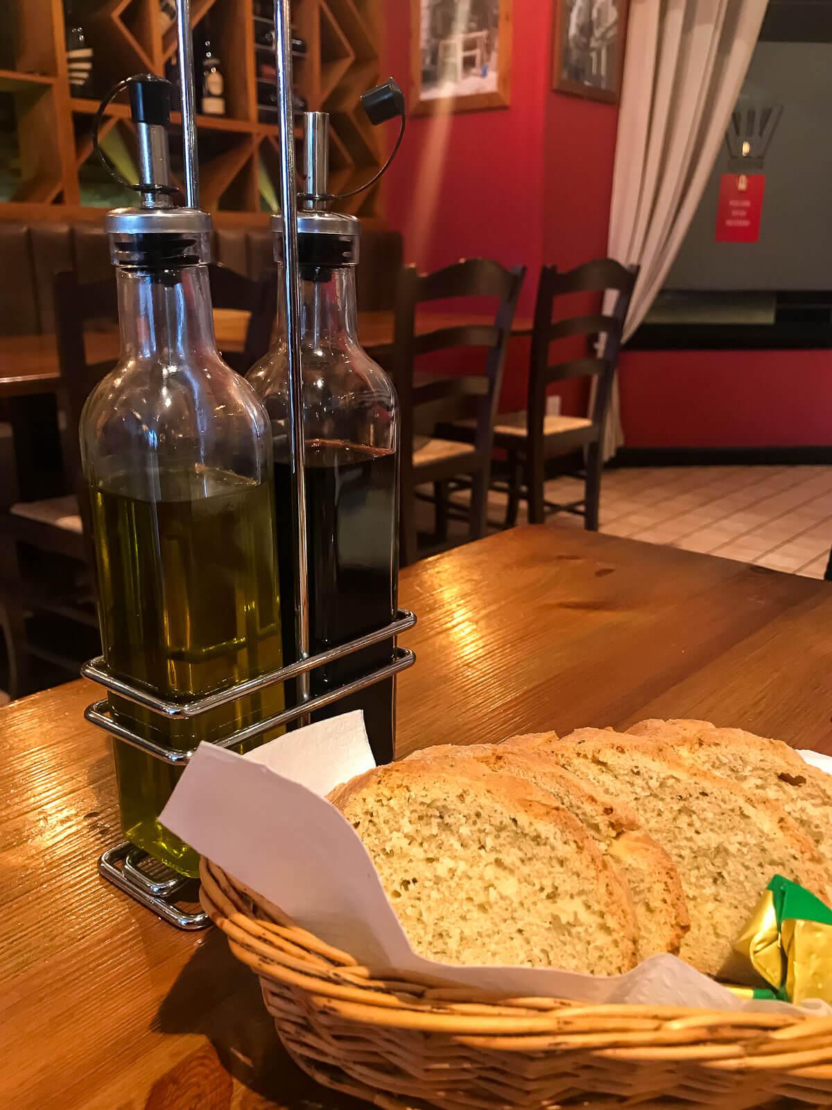 Bread and Oil at Aperitivo