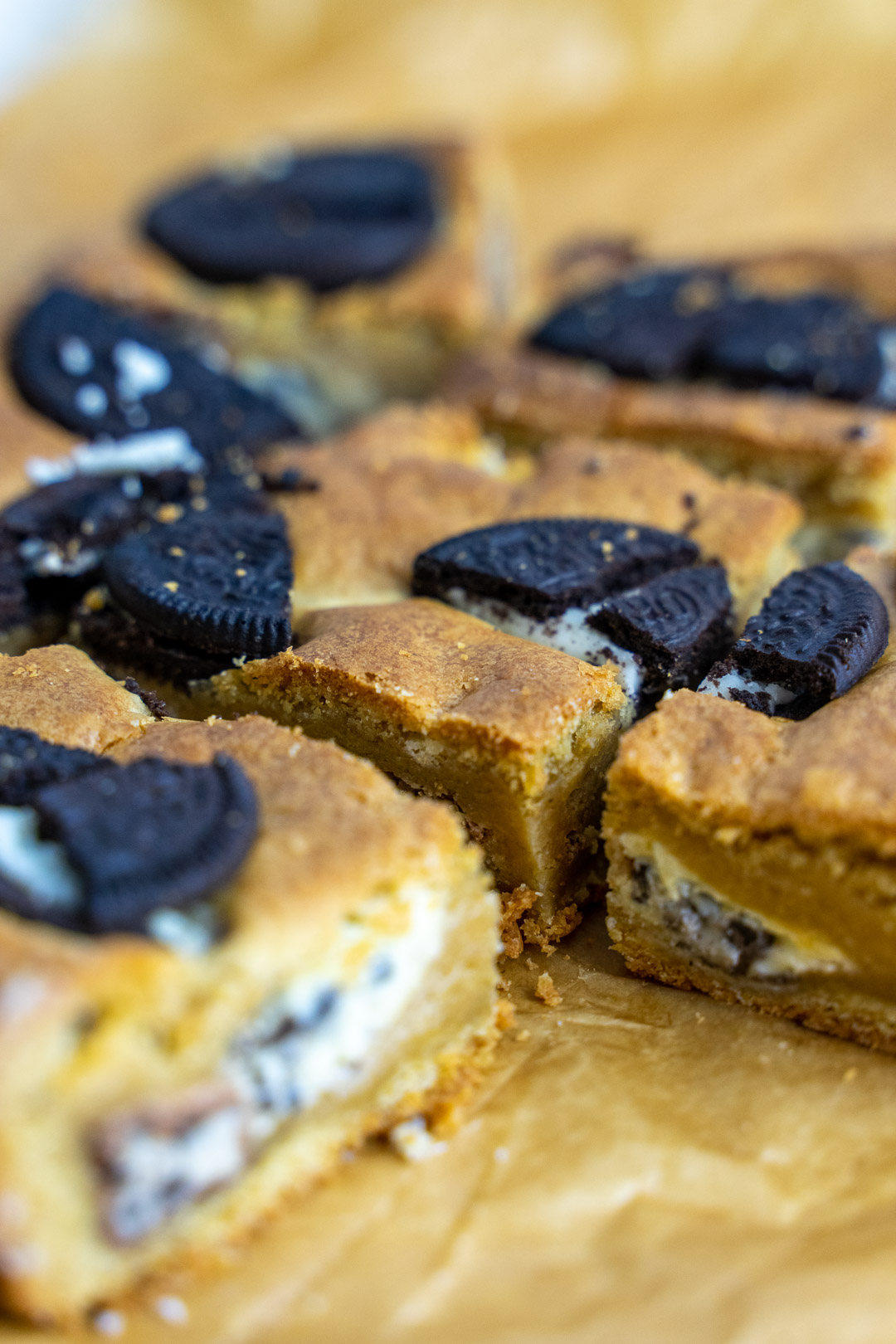 Oreo Blondies