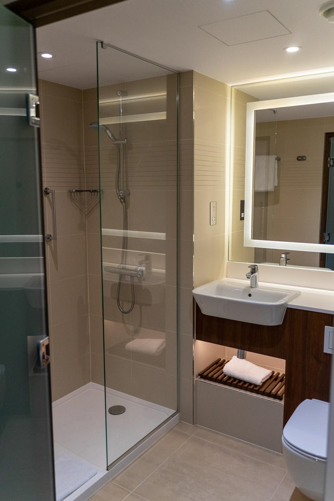 Marriott Courtyard Bathroom