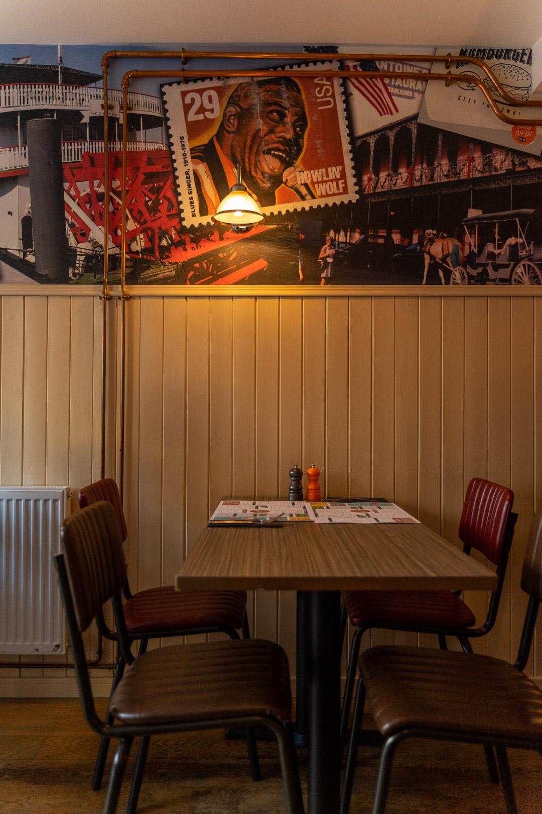 Maggies Grill interior